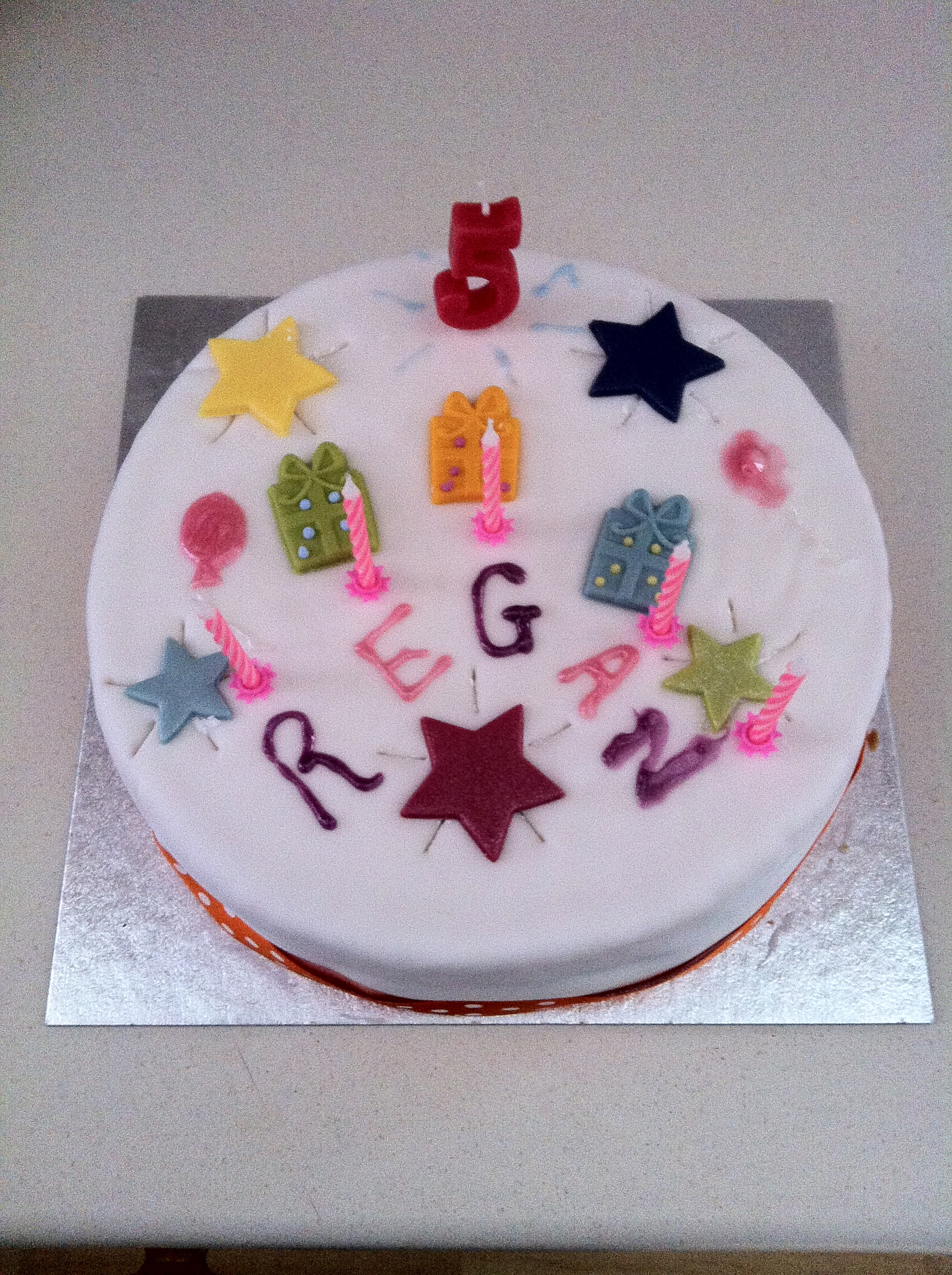 Magic Pete Magician And Childrens Entertainer Birthday Cakes